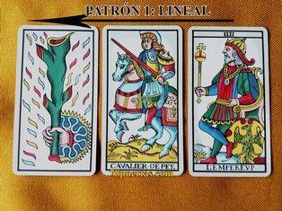 Leyendo las direcciones de las cartas. As de Bastos, Caballo de Espadas y Emperador del Tarot de Marsella de Pablo Robledo.