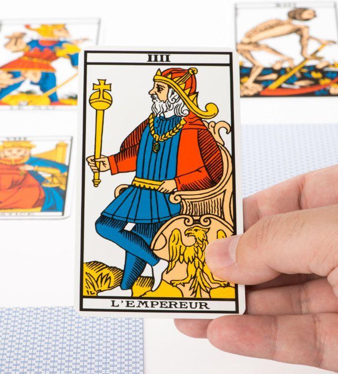 Los Arquetipos del Tarot: El Emperador, autoridad y control