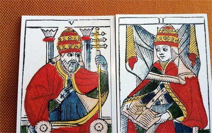 Los Patrones Visuales en el Tarot. Las Coronas