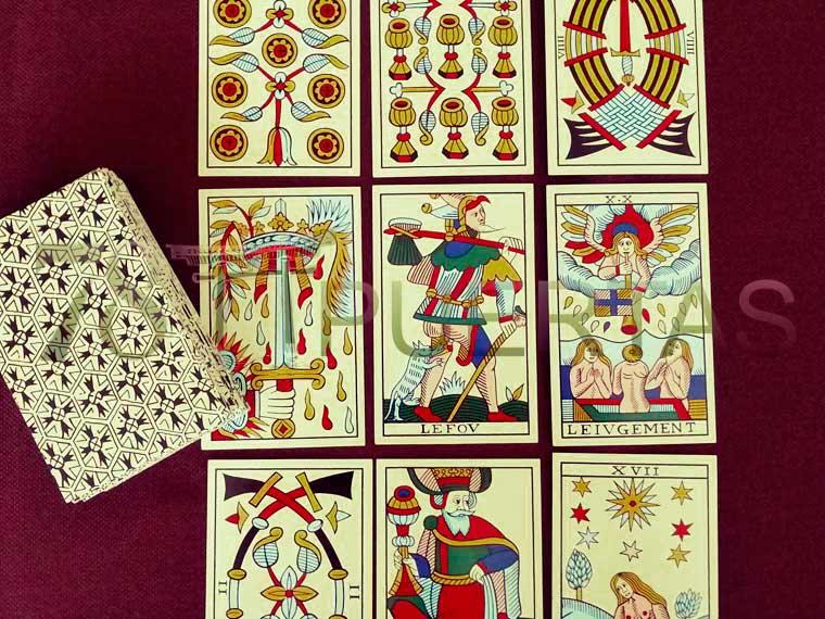Lecturas de Tarot por Escrito